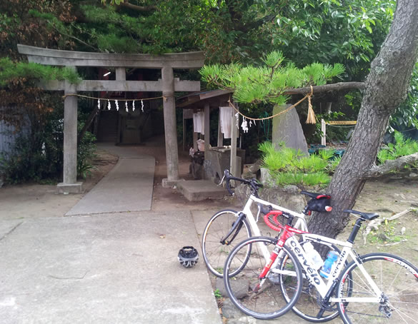 Cycling in Japan - Shrine