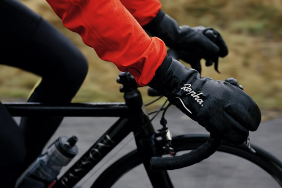 Rapha Overmitts are an excellently warm winter cycling glove. Image courtesy Rapha.cc, used by kind permission.